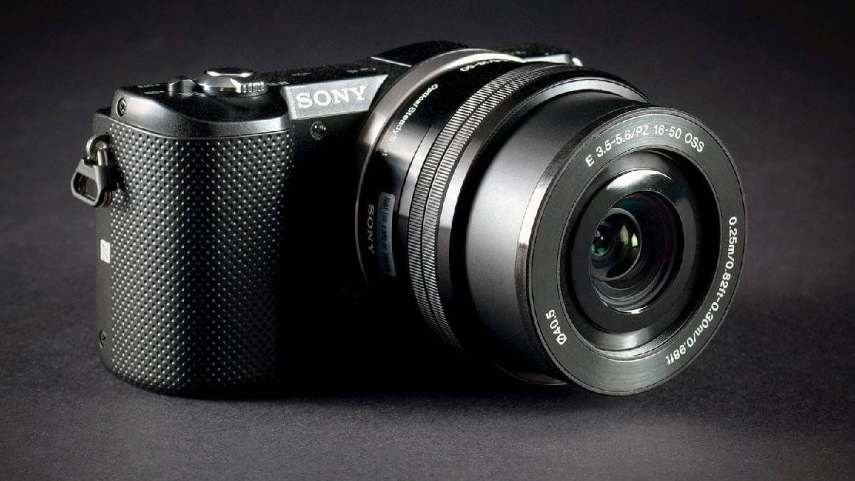 SONY a5000 – Theory, Practical, Ergonomic and More